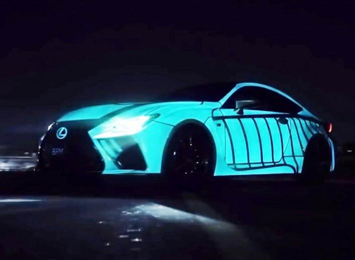 Светящаяся аэрография для кузова авто - это независимая подсветка в темноте